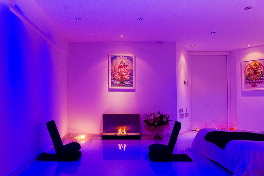_9_208 consultation pace - warm purple