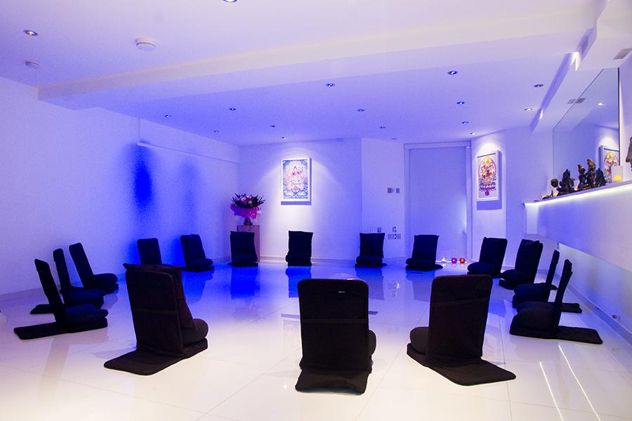 _9_34  full circle workshop sittting - blue